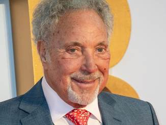 Tom Jones trauert um Les Reed - Promi Klatsch und Tratsch