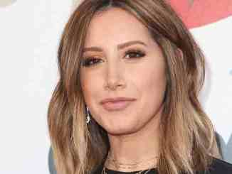 "Ashley Tisdale über ihre Platte ""Symptoms"" - Musik News"