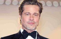 Brad Pitt in Berlin auf Flirtkurs