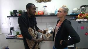 Berlin Tag und Nacht: Chris will Jessicas Eifersucht beenden! - TV