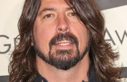 """Foo Fighters"": Dave Grohl angetrunken im Studio"