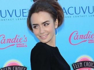 Lily Collins - 2013 Teen Choice Awards