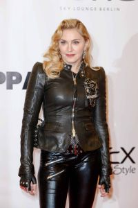"""Madonna - Madonna's """"Hard Candy"""" Gym Opening Photocall in Berlin"""