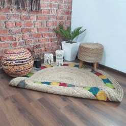 Jute Carpet – Braided Area Rugs – Circular Rug with Contemporary Colored Pattern over Natural Handmade unbleached Centre – 110 cm Diameter –  Avioni