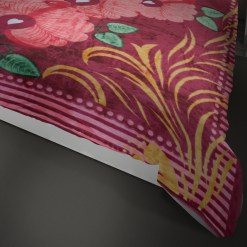 Double Bed Soft Mink Blankets In Multicolour For Mild winters