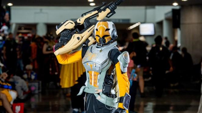 Hunter with gun cosplay