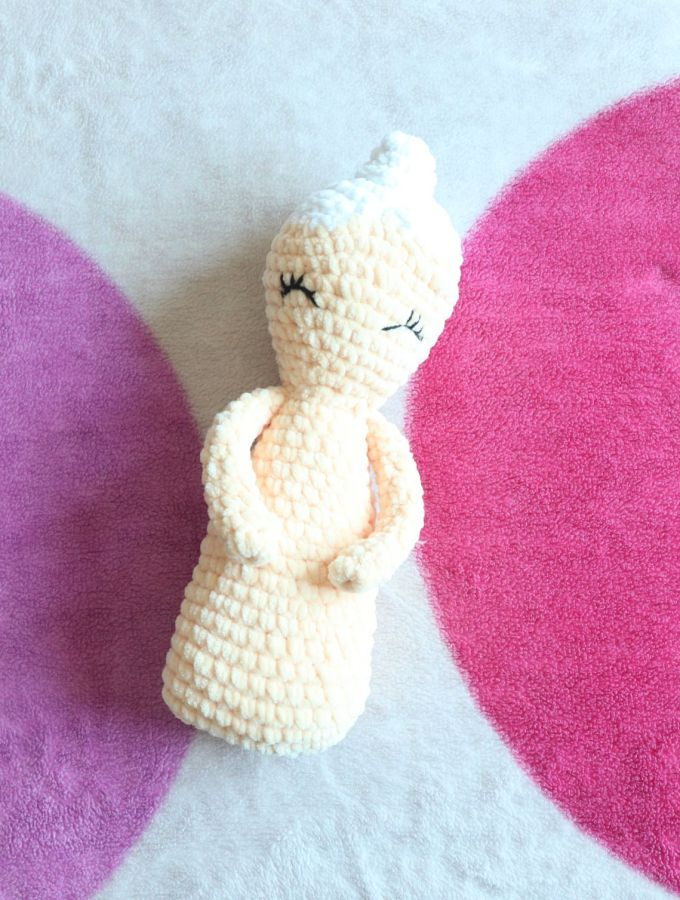 3 hour Amigurumi Doll- Free Beginner Crochet Pattern 1a