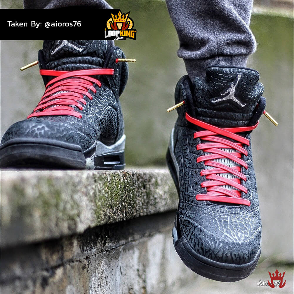 red leather shoelaces with gold tips on jordans 3
