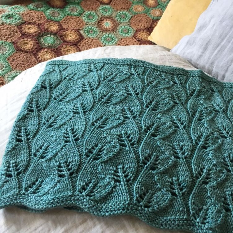 Dandelion Cowl free pattern Loop London