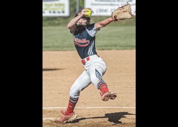 Independence pitcher Delaney Buckland delievers against Wyoming East on Wednesday in Coal City. (F. Brian Ferguson/Lootpress).