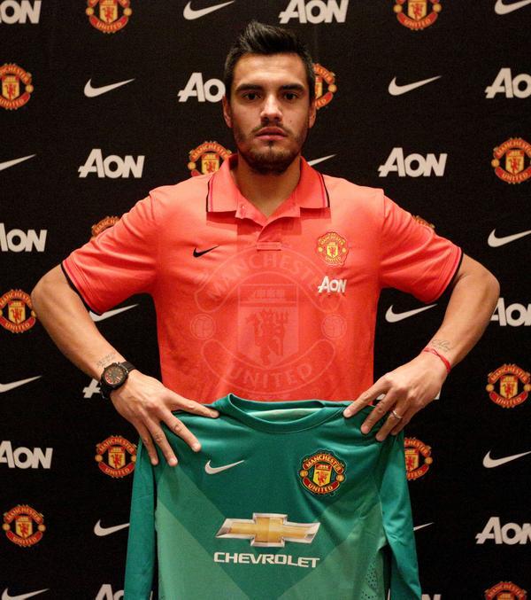 Romero ya luce los colores del United. Foto de @ManUtd