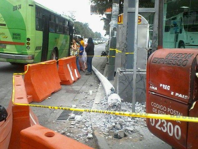 Pipa choca contra poste de luz. Foto de  Siete24Noticias
