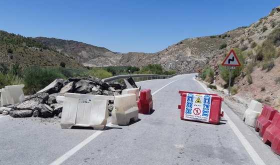 La tramo de carretera Ceal-Huesa se corta definitivamente por obras