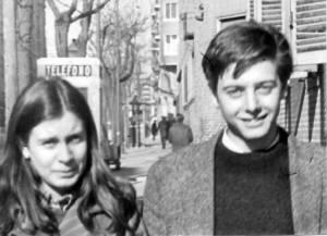 """Dolores González Ruiz """"Lola"""" está con Enrique Ruano Casanova, en la época en que eran novios"""