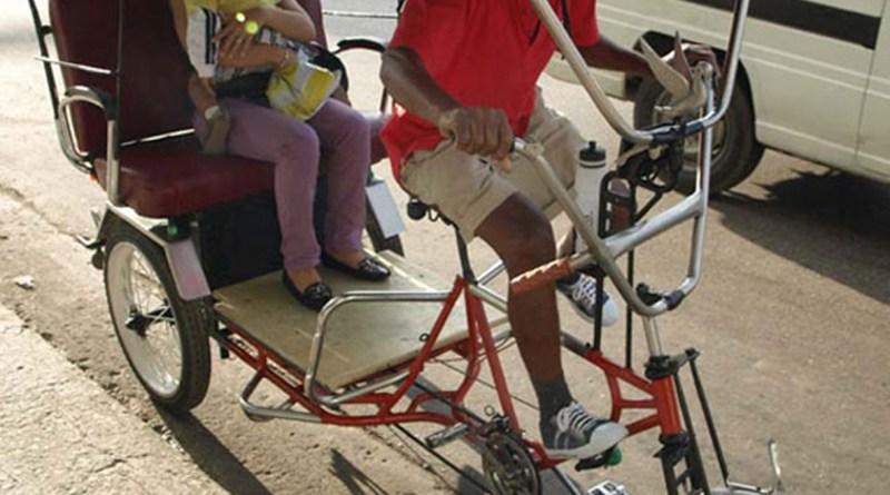 Las bici-taxis, transporte alternativo y ecológico