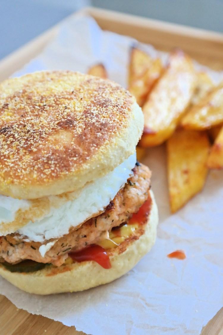 English muffins recipe: Sandwich presentation