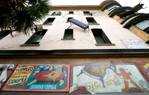 Defenestration artwork on S.F. building may be out in cold – SFGate