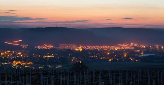 Bål på vinmarkerne i Chablis