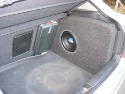 Custom Subwoofer box in vetroresina
