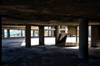 Edificio di cemento armato abbandonato