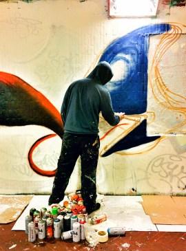 disegno-di-un-graffito-nel-sottopassaggio-delle-cure-a-firenze