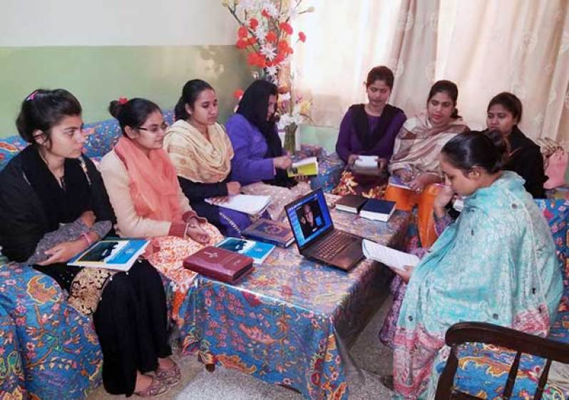 Nerinx Alum, Skype Enable Conversations With Pakistan