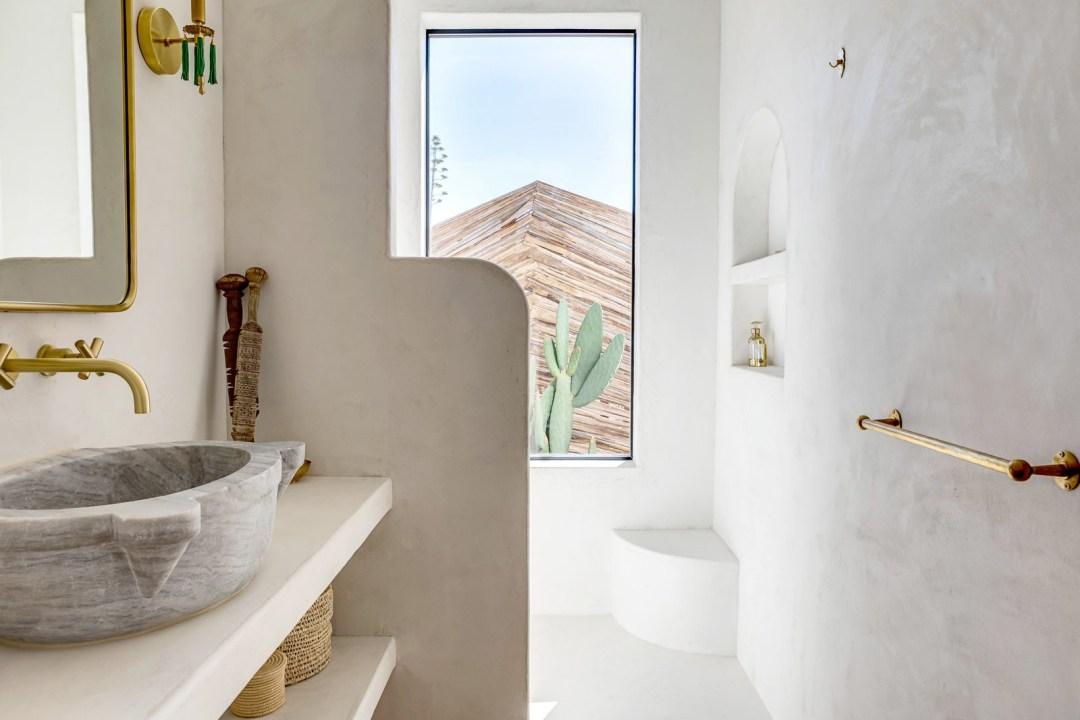Limewash Tadelakt Bathroom