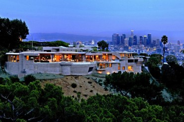 26-Lori-Dennis-Interior-Design-Hollywood-Hills-Exterior-with-View