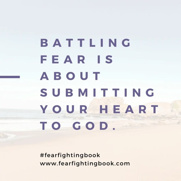 Fear Fighting: When You Have Lost Sight of Yourself - Kelly Balarie #fearfightingbook