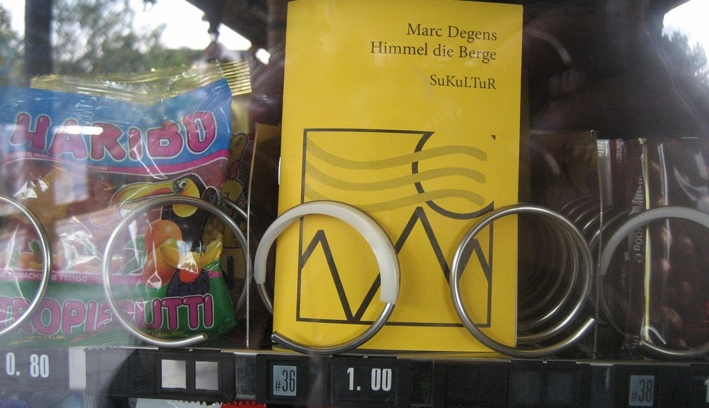SuKuLTuR book in a vending machine