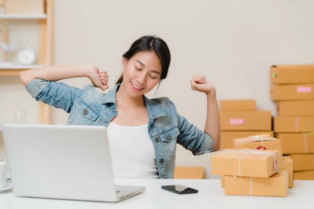 Stretching da scrivania contro i dolori da smart working