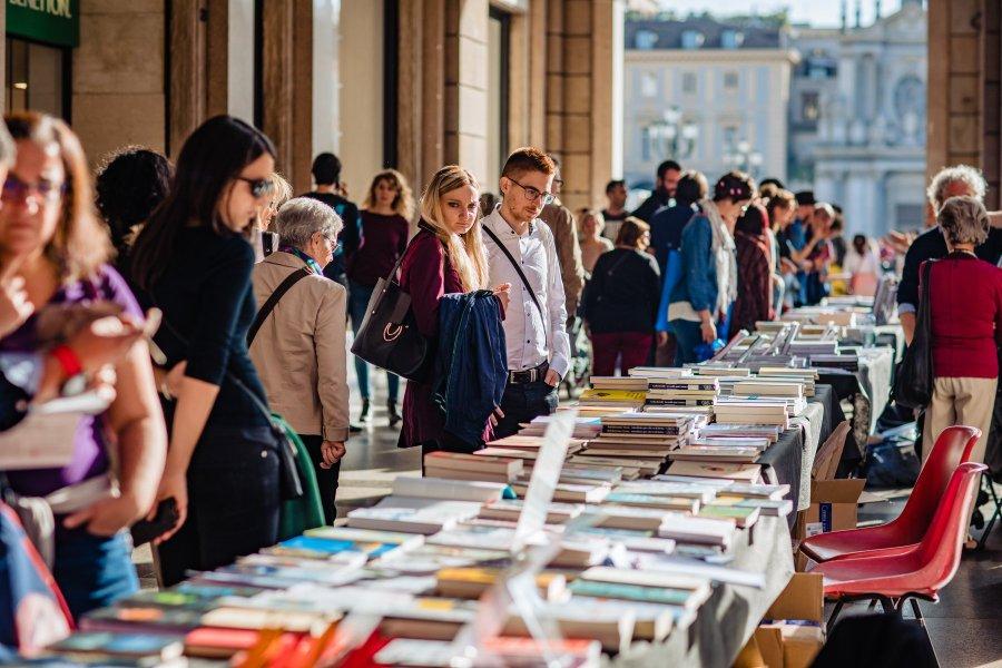 Torino, la 14ª edizione di Portici di Carta dedicata a Luis Sepúlveda