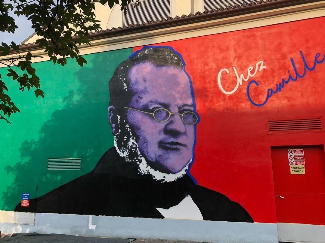 Santena, realizzato in centro città un nuovo murales cavouriano