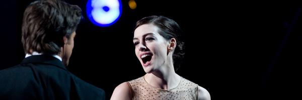 Anne Hathay canta en los Oscars junto a Hugh Jackman