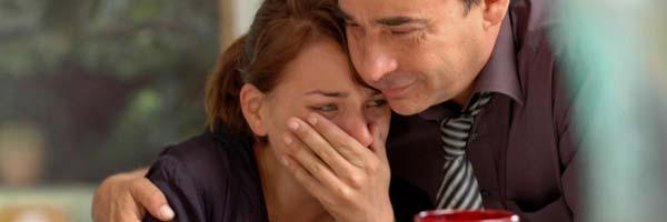 Nausicaa Bonnín y Eduard Fernández en 'Tres días con la familia'