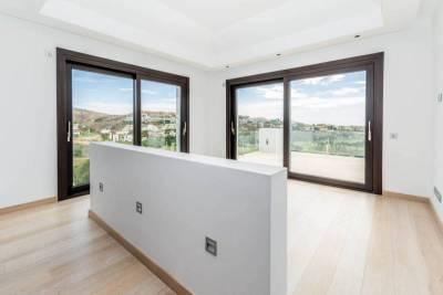 contemporary villa for sale004