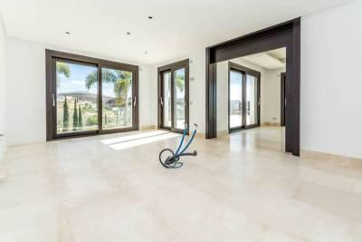 contemporary villa for sale010