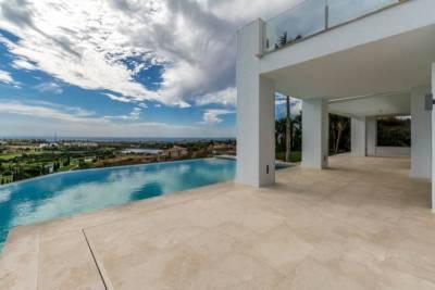 contemporary villa for sale028