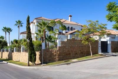 featured villa for sale los flamingos008