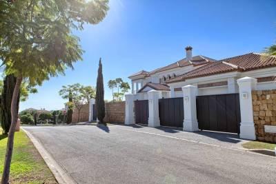 featured villa for sale los flamingos012