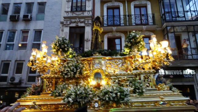 JESÚS DE MEDINACELI EN PASEO POR MADRID