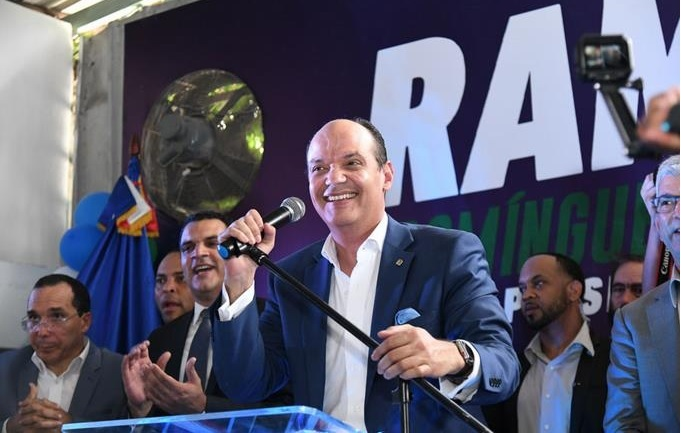 Ramfis inicia su precampaña e inaugura su comando nacional