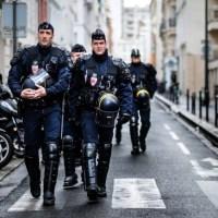 La Francia dichiara guerra all'Islam radicale e vieta i certificati di verginità