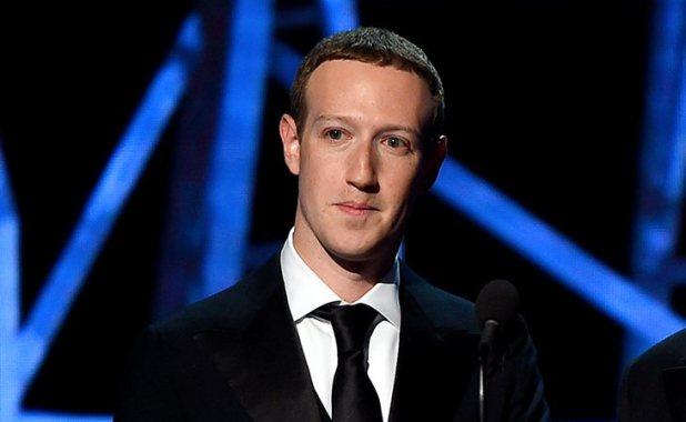 Mark Zuckerberg compró WhatsApp por la oportunidad y la competencia que suponía