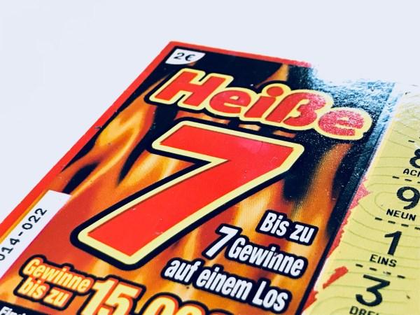 Heiße 7 Rubbellos