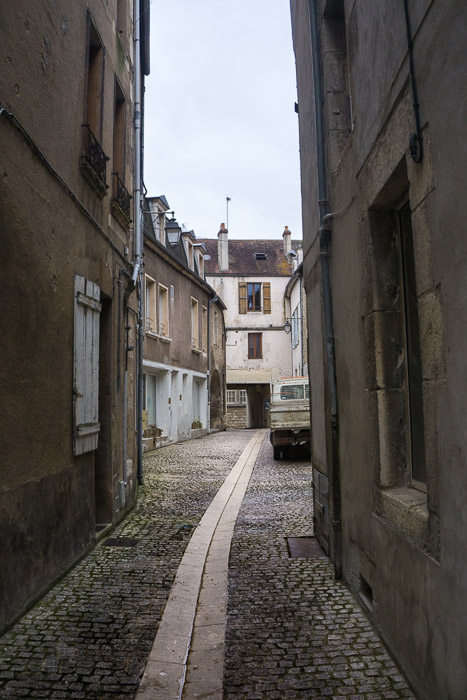 Small allyway with Truck in Avallon France | Lost Not Found | French Road Trip