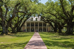 Oak Alley Plantation Louisiana – A Reminder of America's Conflicted History