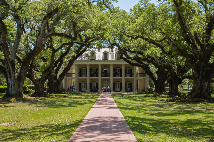 Oak Alley Plantation Louisiana - A Reminder of America's Conflicted History