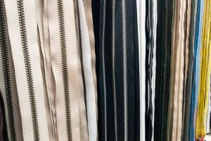 Zippers in NYC Garment District | LOST NOT FOUND | NYC | Garment District | Fabric Stores NYC | Craft Stores NYC| NYC Fashion #GarmentDistrict #FabricStoresNYC #NYC