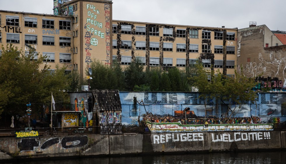 Refugees Welcome Graffiti on the Spree River in Berlin | LOST NOT FOUND | Berlin | Germany | Deutschland
